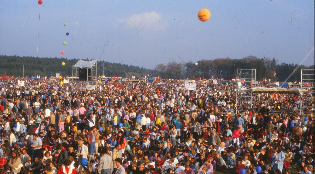 GrossdemoHasselbachBell_Oktober_1986